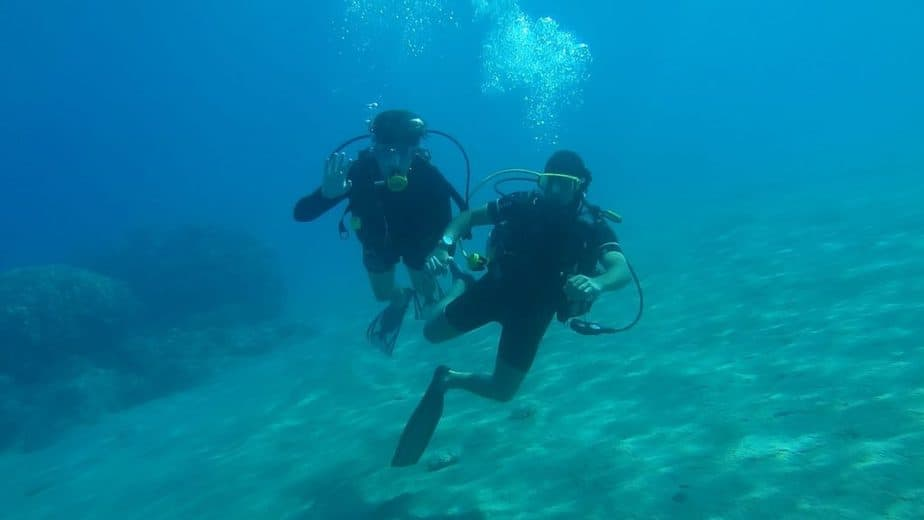 what is scuba diving like