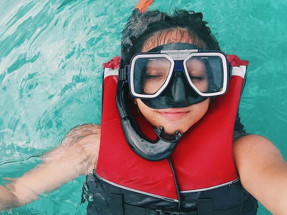 snorkeling tips for non-swimmers