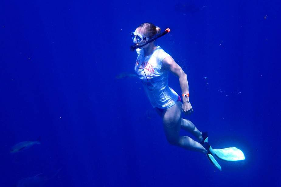can you breathe underwater with a snorkel