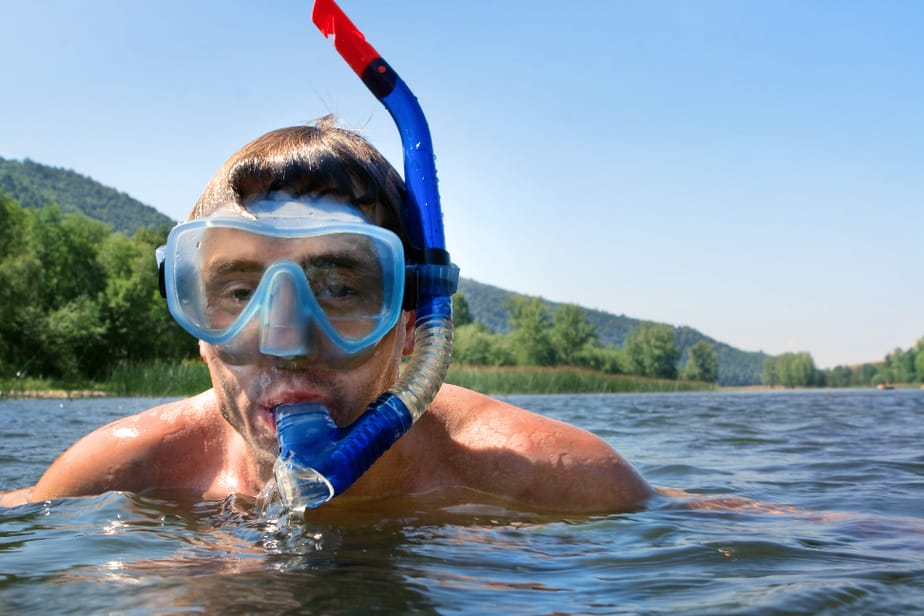 what is snorkeling