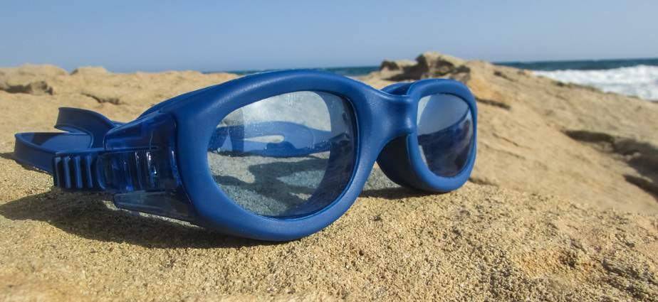 can you snorkel with swim goggles