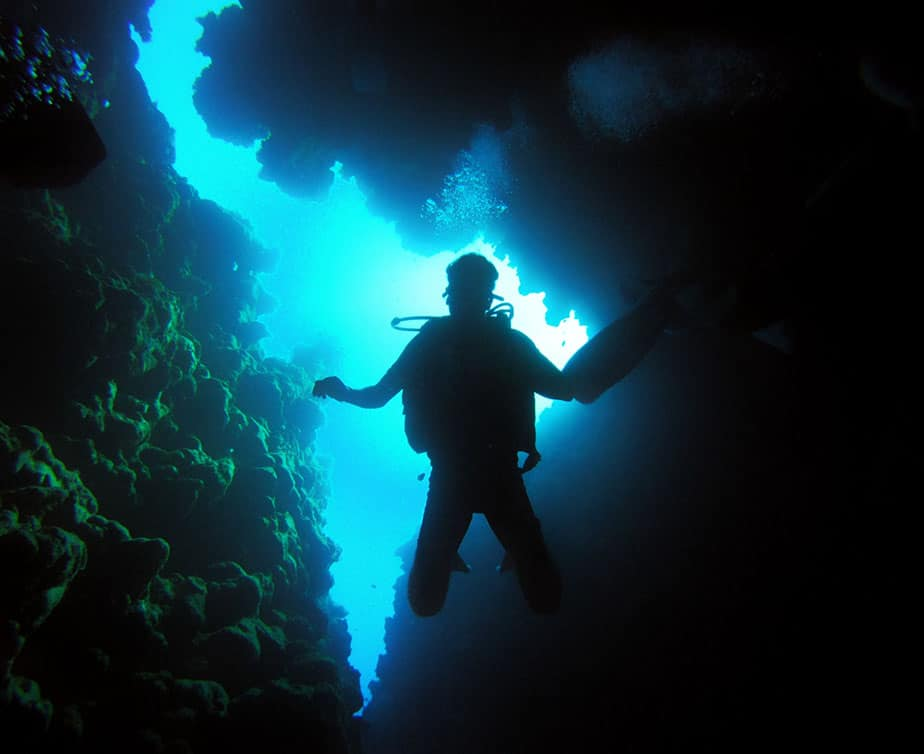How Deep Can You Scuba Dive Without Decompression