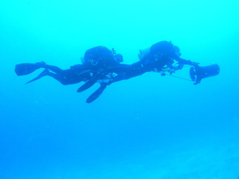 diving with a dpv