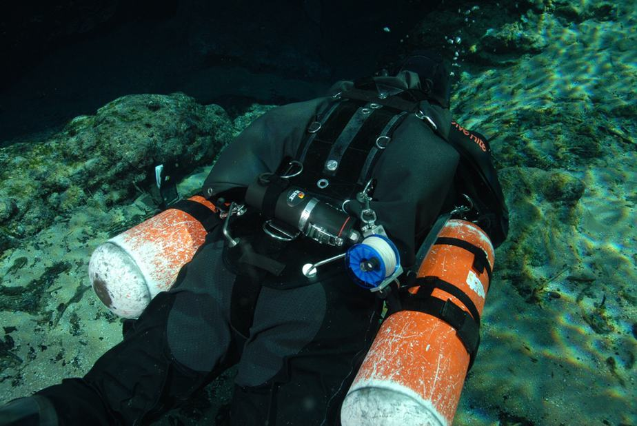 why dive sidemount