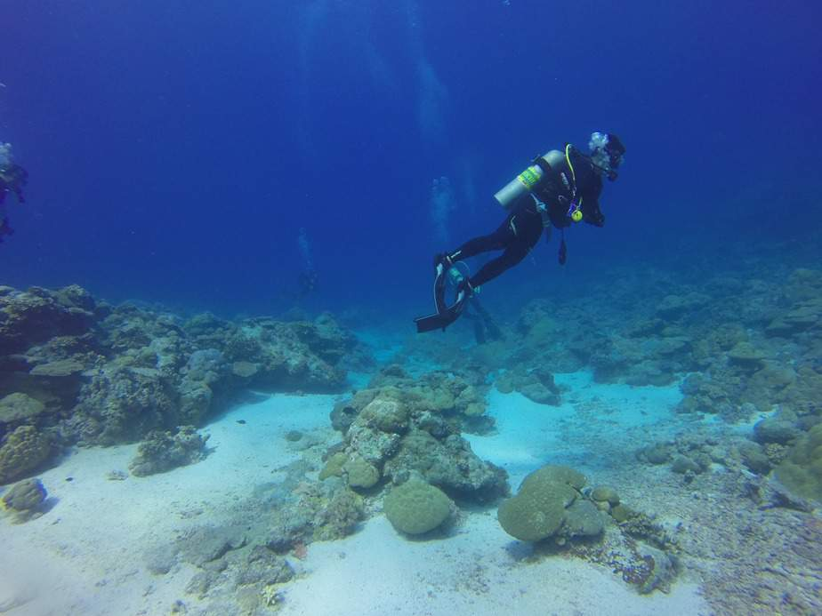what is decompression diving