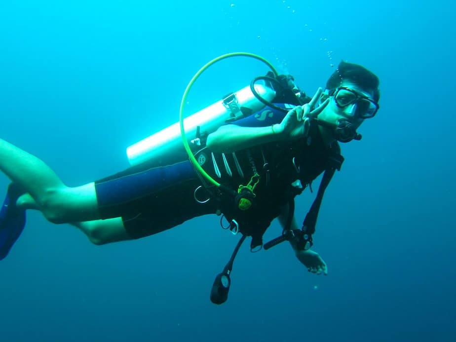 what to do during scuba diving