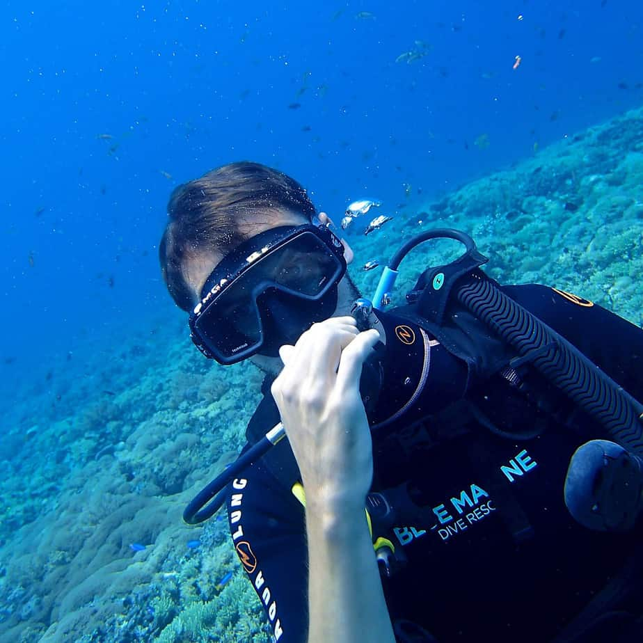 why does nitrogen build up when scuba diving