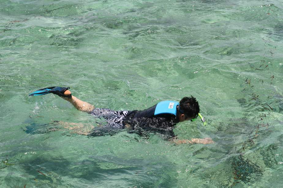 can you get a sore throat from snorkeling